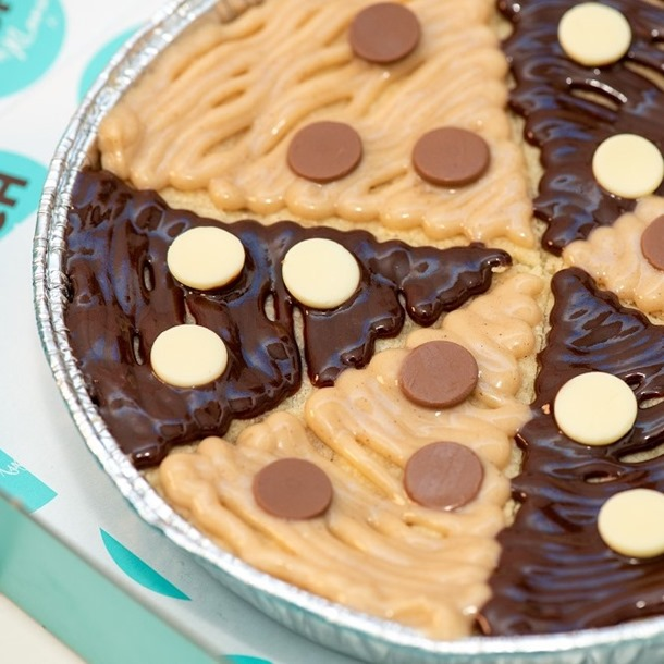 LIMITED EDITION: Kinderella Cookie Pizza!