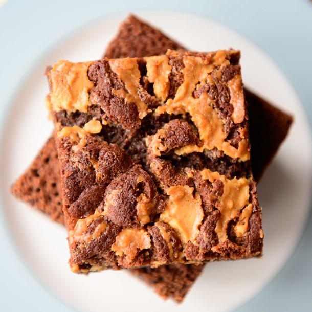 Fathers Day Pre Order Peanut Butter Brownie & Sticky Treacle Flapjack