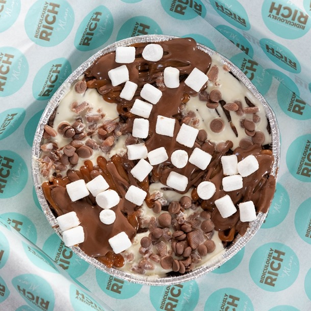 LIMITED EDITION: S'mores Kit Cookie Pizza